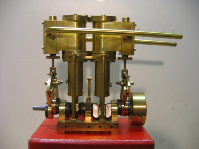 Gros moteur JMC 8,5cm3